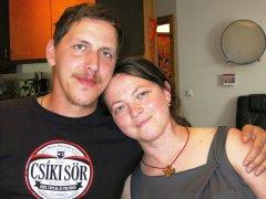 Laura Szabo mit ihrem frisch gebackenen Ehemann